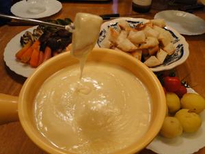 冬季限定の夕食メニュー チーズフォンデュ
